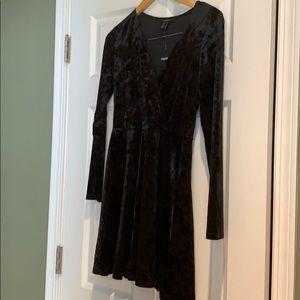 Brand new! Black velvet skater dress. Size M. 🖤